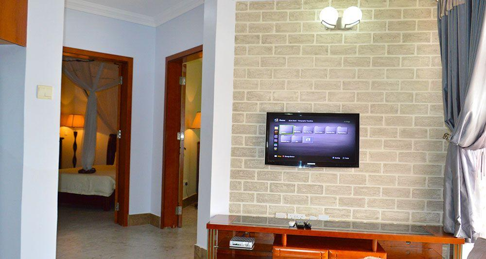 Three Bedroom Apartment Entertainment Unit